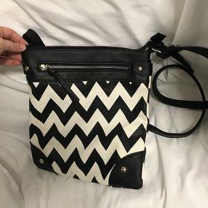 Handbags - Zig Zag Bag 🦋